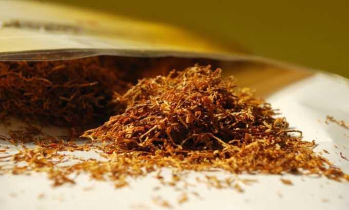 В состав препарата входит табак. Он устраняет головную боль, невралгию