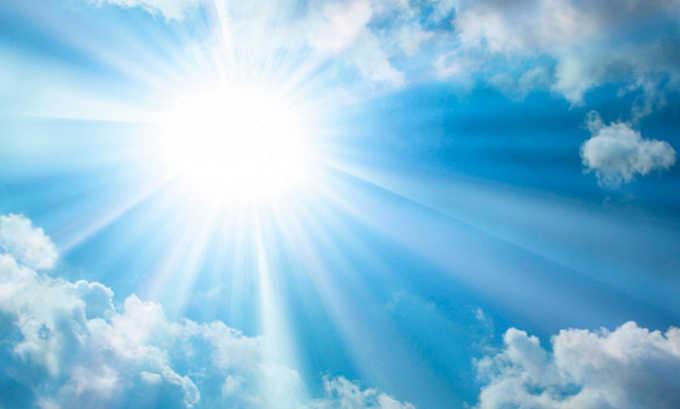 При хроническом нарушении кровообращения лечение сочетают с отказом от длительного пребывания под прямыми солнечными лучами