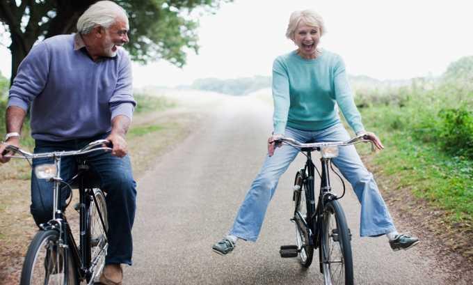 При варикозе конечностей кататься на велосипеде следует только по ровным дорогам