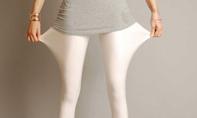 Компрессионными колготками можно заменить белье. В отличие от капроновых изделий, они не так просто рвутся