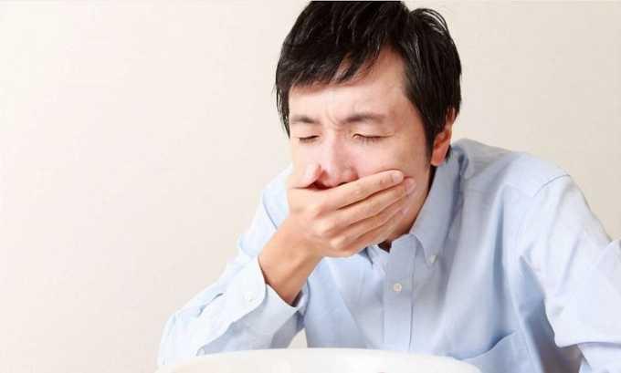 При использовании лекарства можно столкнуться с таким отрицательным проявлением, как тошнота