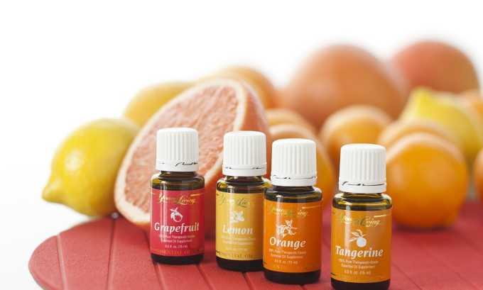 Можно использовать масла растений, имеющие антицеллюлитные свойства, лучшим эффектом обладают эфирные масла цитрусовых (апельсина, грейпфрута, лимона)