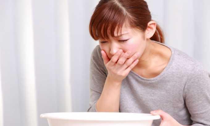 Побочные действия от препарата проявляются в виде тошноты