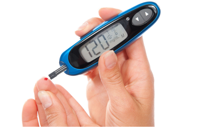 В число других побочных эффектов медикамента входит сахарный диабет 2 типа