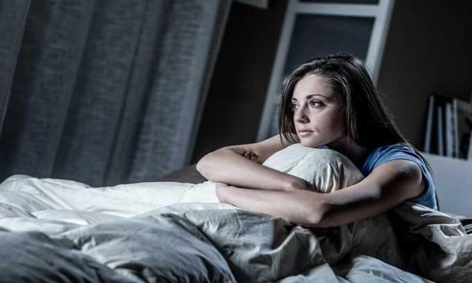 При использовании лекарства можно столкнуться с таким отрицательным проявлением, как нарушение сна