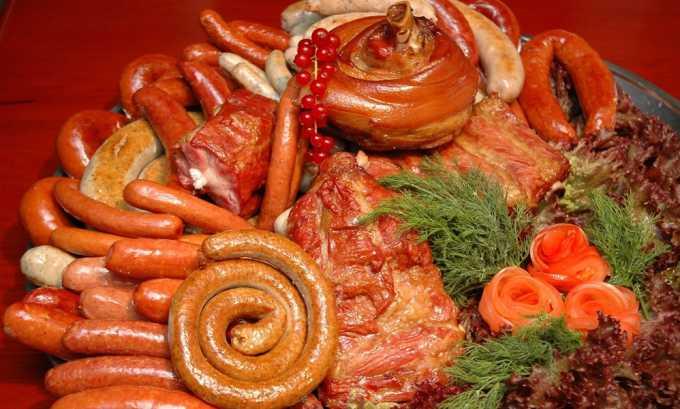 Увлечение острой и жирной пищей может привести к закупорке вен