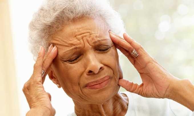 Побочные действия Аторвастатина 20 проявляются в виде головной боли