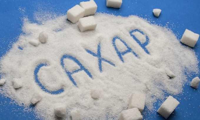 Исключить из рациона при варикозе нужно сахар, так как он способствует внесосудистому накоплению жидкости
