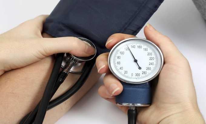Неадекватные реакции организма на препарат могут проявиться в виде пониженного или повышенного давления