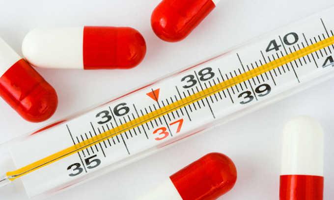 Если лекарство принимать в течение длительного времени в высокой дозировке, то возможно повышение температуры тела