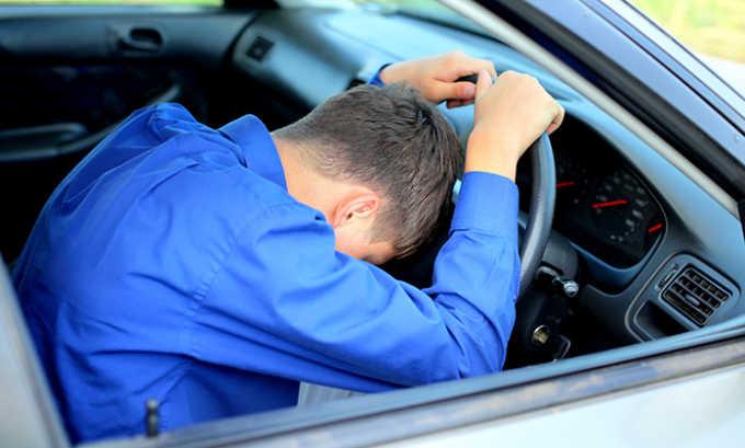Прием медикамента может вызвать головокружение, поэтому не рекомендуется садиться за руль
