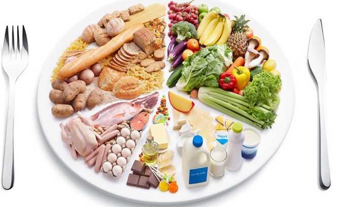 Для детей дошкольного возраста правильно сбалансированное питание оказывает влияние не только на отсутствие косметических дефектов, но и функционирование жизненно важных органов.