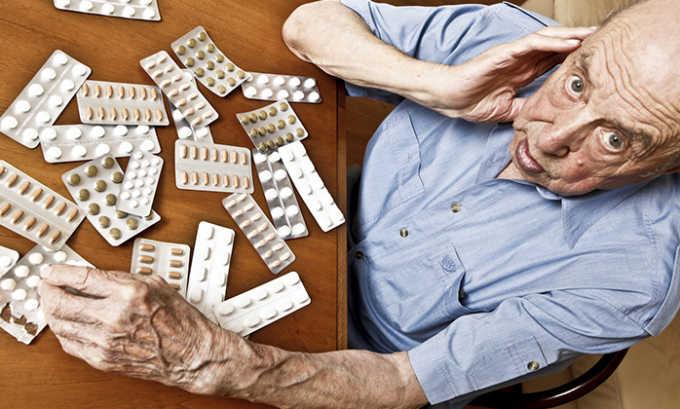 Для пациентов старше 75 лет при подъеме ST применение нагрузочной дозы нецелесообразно