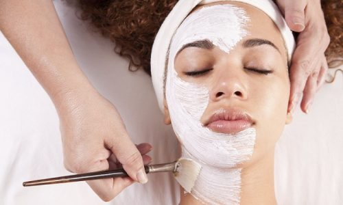 Пилинг при куперозе – косметическая процедура, способствующая улучшению состояния кожи, питанию и укреплению стенок капилляров