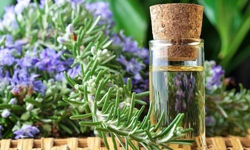 Кипарисовое масло чаще всего используется при лечении купероза в качестве антисептика