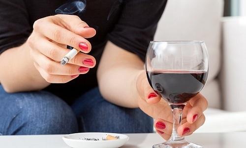 Курение и распитие алкогольных напитков может ухудшить состояние сосудов