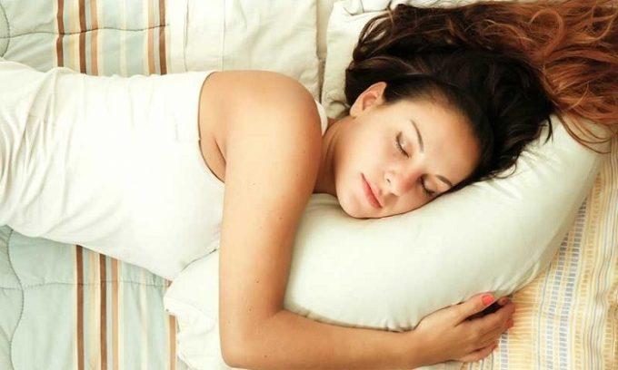 Длительное пребывание в лежачем положении непременно приведут к ослаблению стенок капилляров, что спровоцирует развитие купероза