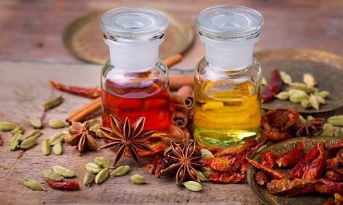 Для того чтобы устранить дефекты на лице, издавна человечество использовало специальные масла от купероза, помогающие не только вылечить заболевание, но и предотвратить его рецидив