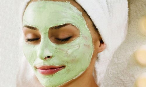 В масках от купероза глина используется в качестве дополнительного вещества, способного усилить действие препарата