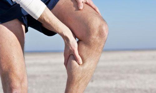 На ранних этапах развития варикоза мужчину могут беспокоить тяжесть и боль в ногах после длительного пребывания в положении стоя
