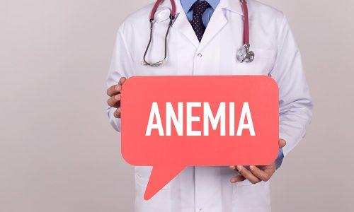 Частые кровянистые выделения или кровотечения вне месячного цикла провоцируют развитие анемии