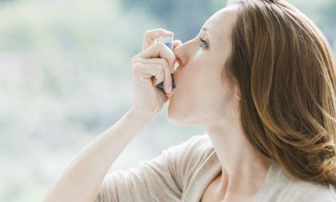 При хронических заболеваниях в стадии обострения (бронхиальная астма, язва желудка, сахарный диабет) нельзя делать операцию