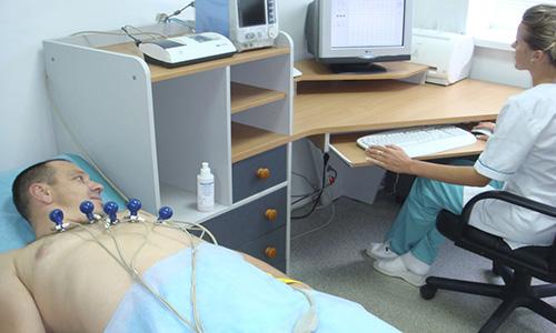 При медицинском обследовании необходимо пройти ЭКГ