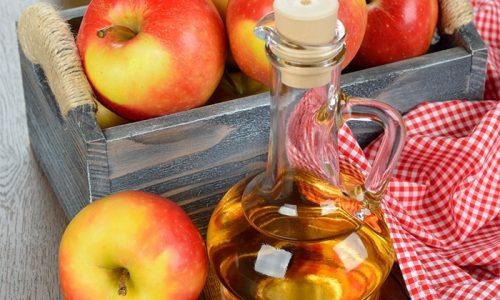 Яблочный уксус является эффективным домашним средством от купероза, который укрепляет стенки сосудов и оказывает противовоспалительное действие