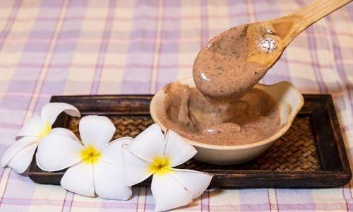 Вылечить варикоз помогут мази, приготовленные из полыни, конского каштана, тысячелистника, чистотела