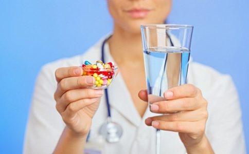 Больным варикоцеле подросткам назначают поддерживающую медикаментозную терапию