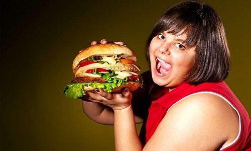 Больному, который страдает от варикоза, нужно тщательно контролировать свой вес, так как лишние килограммы провоцируют развитие недуга