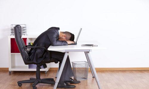 Частой причиной возникновения варикоза у мужчин является сидячий образ жизни