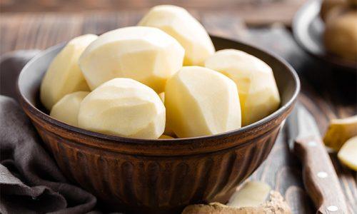 Для снятия отечности при трофических расстройствах используют примочки с соком сырого картофеля или его мелко натертой кашицей