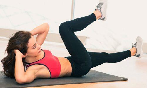 """Упражнение """"Велосипед"""", при котором ногами имитируется кручение педалей (в положении лежа на спине), уменьшает отечность, снимает тяжесть и устраняет ноющие ощущения в ногах"""