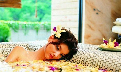 Уменьшить зуд икр помогут ванны с хмелем, чередой или ромашкой