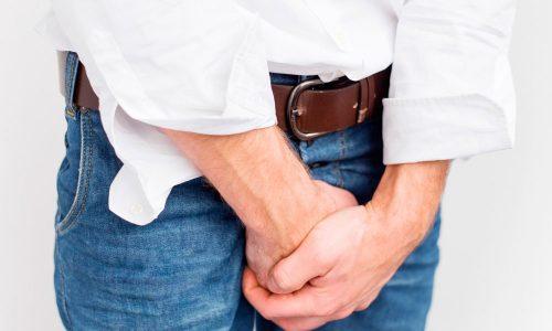 У мужчин реновариальный рефлюкс (нарушение оттока крови от половых органов) слева приводит к забросу крови в яички, повреждая их и вызывая варикоцеле