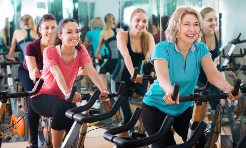 Варикоз с помощью велотренажера можно предупредить, остановить и даже вылечить, поскольку велосипеды позволяют тренировать большое количество мышц