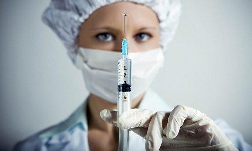 Быстро убрать расширенные вены на ногах и облегчить самочувствие пациента помогут препараты, предназначенные для внутримышечного введения. Для этого лучше всего использовать флеботоники и антиагреганты
