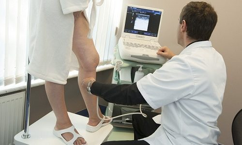 Дуплексное УЗИ нижних конечностей дает возможность получить точную клиническую картину и выявить наличие патологий
