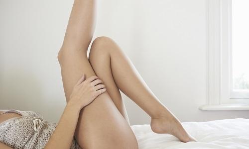Ношение компрессионного белья отлично снимает отеки и сужает вены