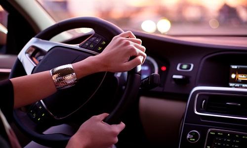 Препарат может вызывать сонливость, поэтому лучше воздержаться от вождения транспорта на время лечения
