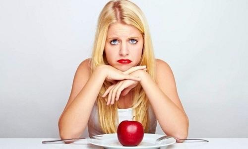 При нарушении дозировки препарата и длительности его применения у человека снижается аппетит