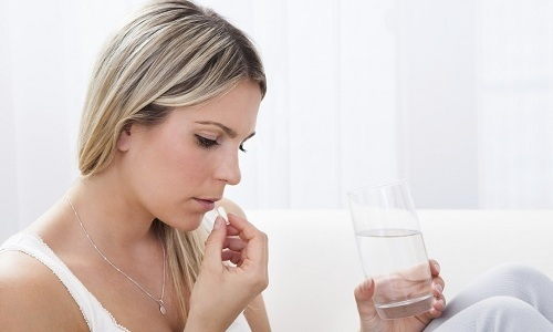 Назначают препарат по 1 таблетке 3 раза в сутки. Прием лекарства ведут до еды