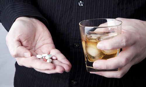 Лекарственное действие Трибестана уменьшается при употреблении алкоголя