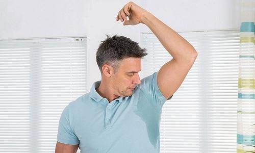 При терапии статином у пациента может повыситься потоотделение