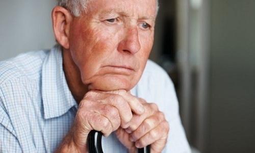 При лечении пациентов пожилого возраста коррекция дозы рассматриваемого препарата не требуется