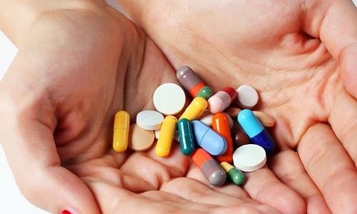 Нельзя сочетать прием Эноксапарина натрия с другими медикаментам гепаринового ряда