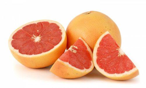 Во время терапии пациентам следует рекомендовать воздержаться от употребления грейпфрутового сока из-за повышения концентрации аторвастатина