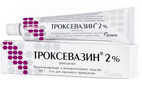 Троксевазин в качестве дополнительных компонентов содержит: карбомер, троламин, очищенную воду, хлорид бензалкония