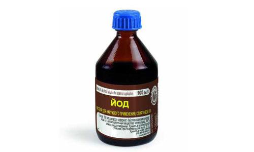Аспирина и йод не рекомендуется использовать, если у пациента наблюдаются: индивидуальная непереносимость компонентов и наличие открытых ран или других повреждений на том участке, где применяется лекарство